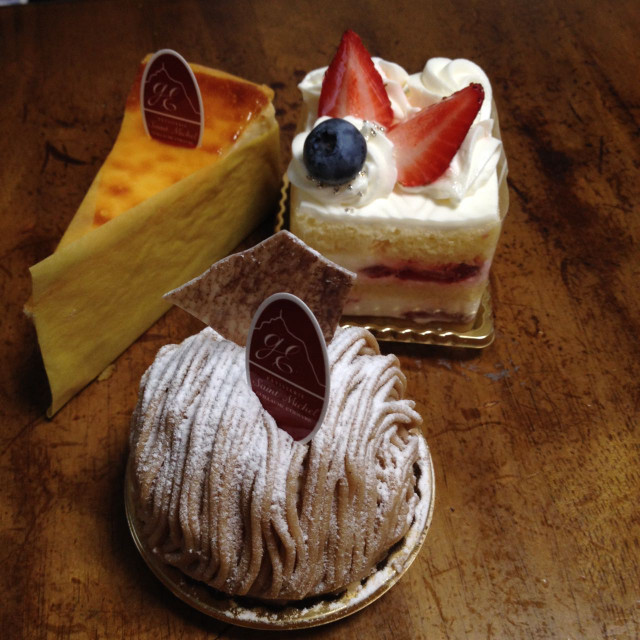土曜の午後にケーキを愉しむ