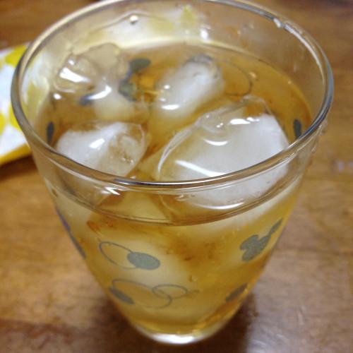 ウイスキーの水割りを