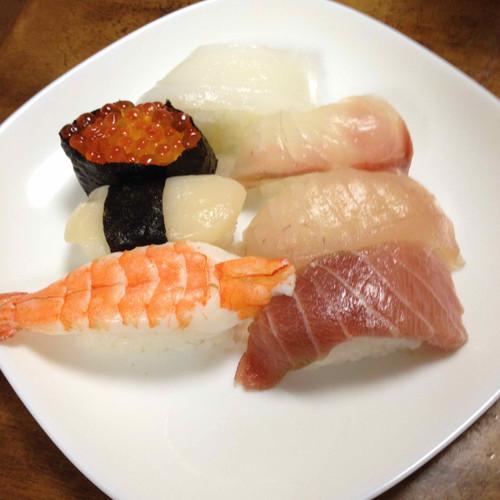お魚屋さん(スーパー)のお寿司