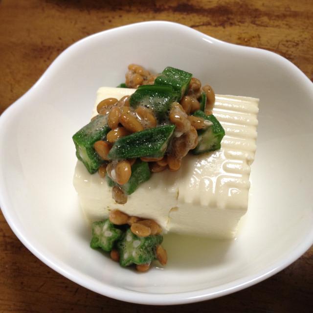 オクラ納豆の豆腐かけ