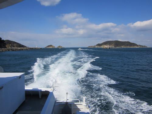 答志島(定期船から)